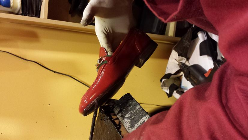 Lavorazione scarpe gucci