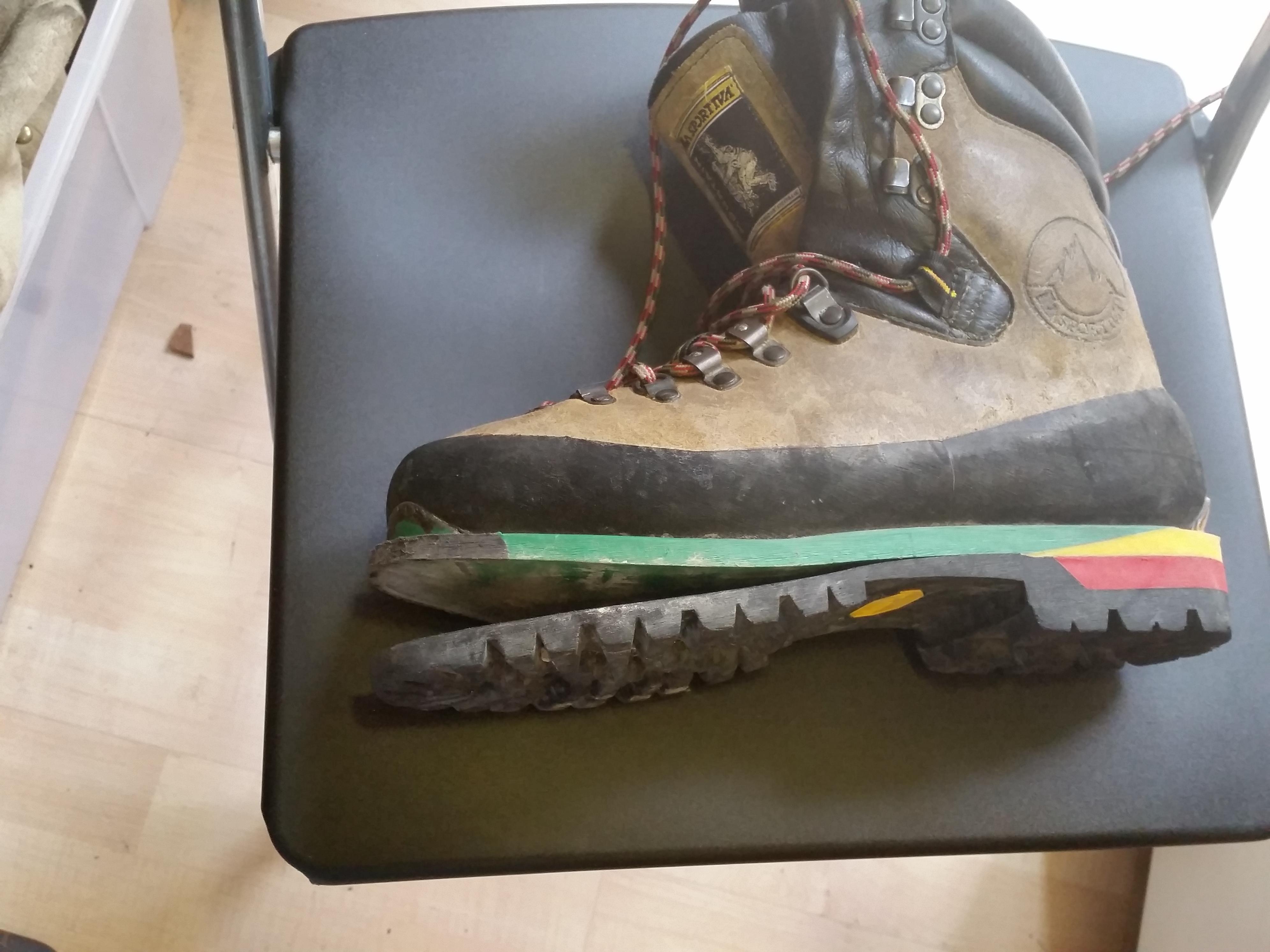 Risuolatura scarponi e scarponcini | Il Calzolaio Rapido a